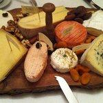 Kaas uit dé kaaswinkel van Leuven, vers van het mes, heerlijk