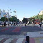 Avenida 9 de Julio / En su parte central, la Red de Metrobus
