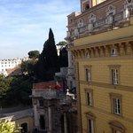 la vista dal balcone con in lontananza il Quirinale