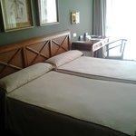 Habitación doble de dos camas. Amplia y cómoda.
