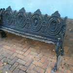 curb bench: unusable