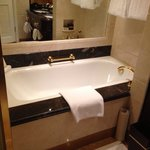 April 2013, nice and clean Bathtub