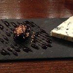 Blue cheese com doce de ameixa, fantástica combinação de sabores