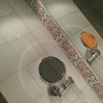BANHEIRO FUNCIONAL DO APTO DO HOTEL