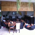 No surf and rainy weather, everyone chilling together an watching a surf vid!
