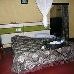 Mooie ruime kamer met afzonderlijke badruimte