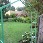 Prachtige tropische tuin met payottes
