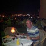 Tagterrasse -restauranten på Sharm Cliff