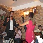 Ricardo Mesquita and Cátia Garcia performing at the Esquina de Alfama