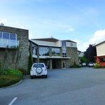 Vorderseite/Vorfahrt des Luxmore Hotel in Te Anau