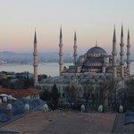 Вид из окна на Голубую Мечеть