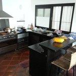 La cuisine de la villa 1