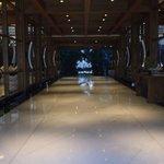 Samaya lobby