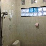 shower air panas dan dingin