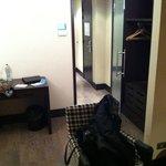 scrivania e guardaroba