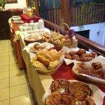 disfrute de nuestro desayuno variado...
