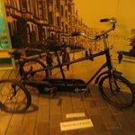 bicicleta antigua en el museo del juguete
