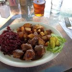Swedish meatballs and red cabbage