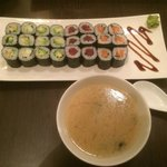 Une petite soupe miso et un petit menu