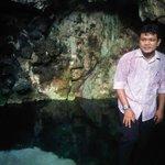 Selain pesona bawah laut, wakatobi juga memiliki Gua Kapur dengan air yang jernih dan tidak pern