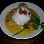 mahi-mahi in curry sauce