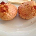 Café da manhã: deliciosos pães de queijo