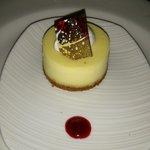 cute and delicious mini cheesecake
