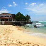 Отель на берегу Индийского океана