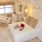 honeymoon suite - Whaletail Room
