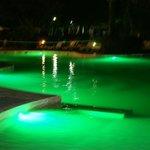 La piscine de nuit !
