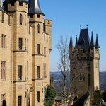 """Burg mit """"Wehrturm"""""""