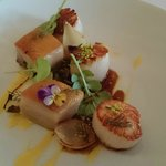 Grilled scallops, pork jowl, corn puree, charred onion & black garlic jus