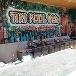 Swimmup Bar