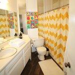 Suite 1 private bathroom
