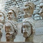 Heads removed from Notre Dame and found buried in the 9th arrondissement