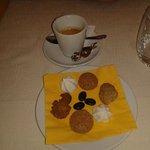 caffè con biscottini