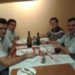Jantar de negócios com amigos empresários