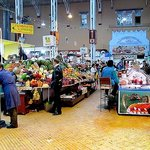 Bessarabsky Market from just inside one of the two side entrances - Kiev (September, 2013)