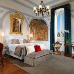 Premium Deluxe Arno River View Guestroom