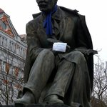 Hviezdoslavovo Namestie - Statue