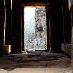 Seeing it through the doors, the beauty of the Bayon temple