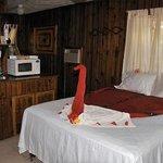 Beachside Room w Queen Bed