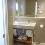 Heritage Queen bathroom level 6