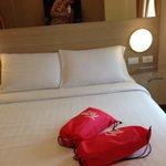 В мешочках полотенца, шампунь и мыло. Сами мешочки отель предлагает забрать как сувенир.