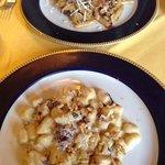 pennette alla tavernetta con speck e gnocchetti con 4 formaggi e noci