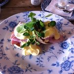 Brunch - muffins with poached egg, ham and hollandaise, yum