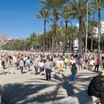 Morning exercise on Poniente Beach by the old town
