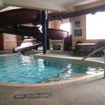 Photo de Ramada Airdrie Hotel and Suites