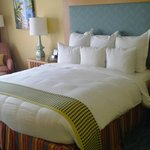 Kingsize bed Rm378