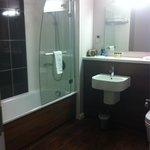 Bathroom ... Lovely powerful shower n lots of hot water